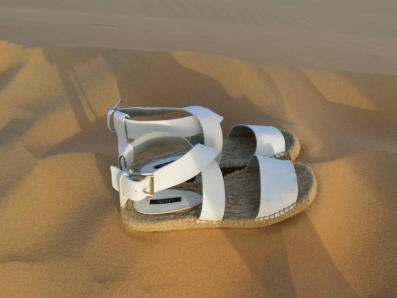Forever-21-White-Sandals-Dyandra-Raye